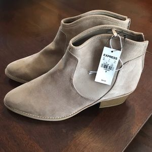 NWT! Express faux suede light tan booties